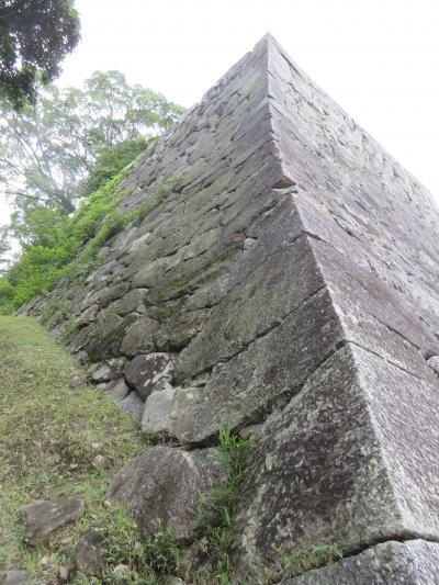 松坂城址~イメージを膨らますに十分な素晴らしい石垣が健在~