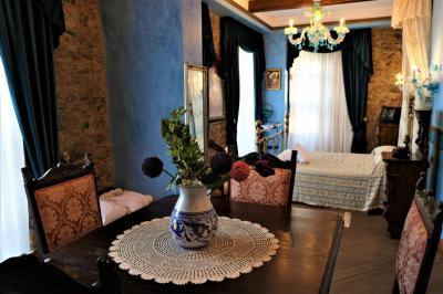 魅惑のシチリア×プーリア♪ Vol.15 ☆イタリア美しき村「シッラ」:ロイヤルブルーのスイートルーム♪