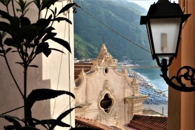 魅惑のシチリア×プーリア♪ Vol.22 ☆イタリア美しき村「シッラ」:見え隠れする美しい教会♪