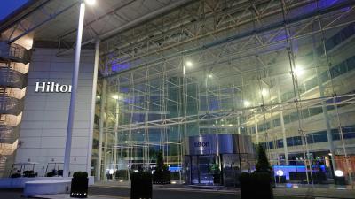 結婚25周年 ヨーロッパ旅行1&ヒルトンダイヤモンド継続維持宿泊4 London Heathrow Airport