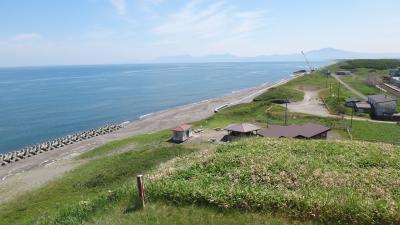 浜小清水6月 オホーツクの展望と牧草刈取り作業を楽しむ