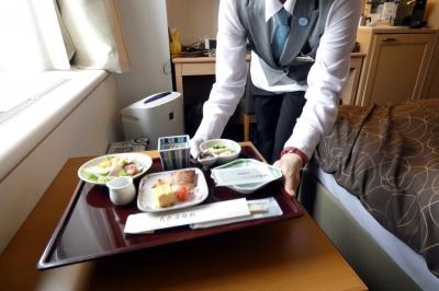 初夏の北海道4泊 朝の札幌の散歩道 中島公園 札幌パークホテル ルームサービスの和朝食