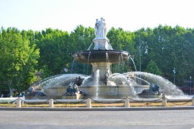 """(6) """"南仏のパリ""""  エックス・アン・プロバンスの暑い夏 噴水探してぶらり街歩き"""