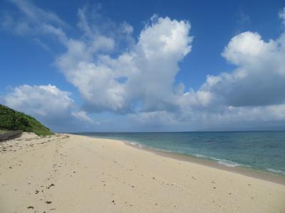黒島の西の端 無人の保慶海岸を西の浜『かめ岩』に向かって体感温度43.6℃の中 歩いている熱中症注意!2019年7月八重山・黒島8泊9日26