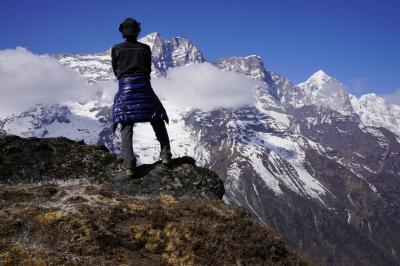 エベレスト街道274㌔巡礼の道を歩き登った記録 18.クムジュン村とヒラリースクール