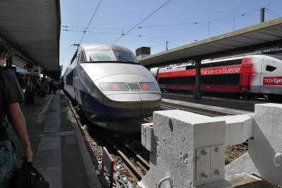 (1) 移動時間も観光時間だ! パリ・リヨン駅から南仏アルルまで「TGVの車窓から」を楽しむ