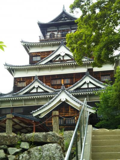 原爆を乗り越えた風格ある広島城