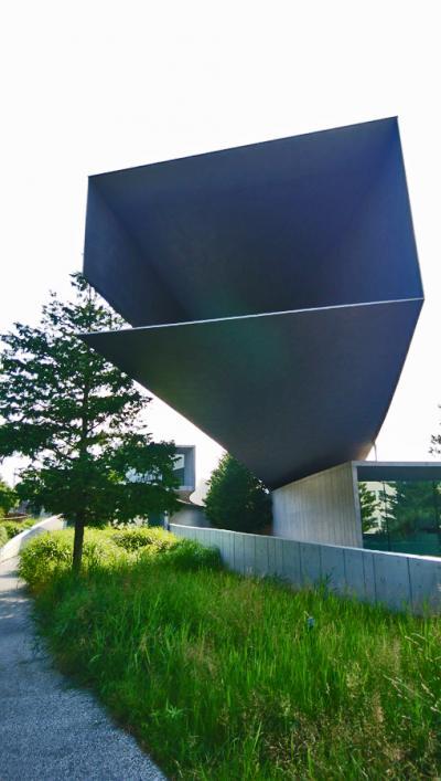 日建設計のホキ美術館を見に行く