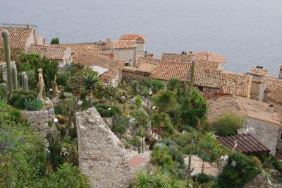 南フランス&モナコのクリスマス(4)エズ  「鷲の巣村」と呼ばれる小さな村