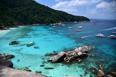 タイの離島冒険ツアー プーケット滞在中、シミラン諸島ツアーを目的にカオラックに