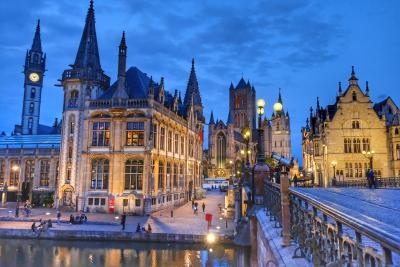 水辺の美しい景色を求めてオランダ&ベルギーへ <13> 夜景の美しさに一目惚れしたゲントへ♪