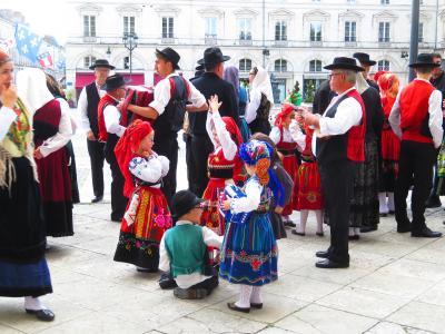 オルレアンの民族衣装を着た子供たちをじろじろ見ていたら警察に通報された・・2019年5月フランス ロワール地域他8泊10日(個人旅行)128