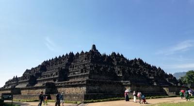 ジャカルタ - ジョグジャカルタ(プランバナン寺院、ボロブドゥール遺跡)