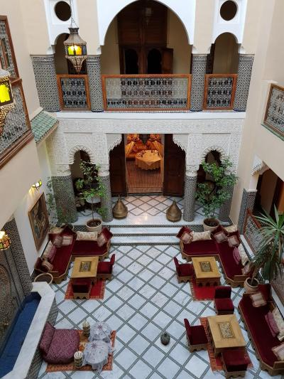 初モロッコ!スペインのタリファからシャウエンの青い村とフェズへ(5)豪華なリヤド宿泊!