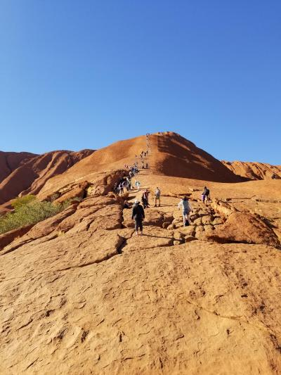 JGC修行で真冬のオーストラリア旅行③エアーズロック登頂へ