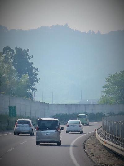 会津へ(福島⇒郡山⇒会津坂下)東北道/磐越道を走行 ☆観光バス-最前列の風景