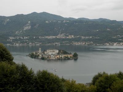 小さな湖の畔、オルタ・サン・ジュリオ(天国イタリア④)