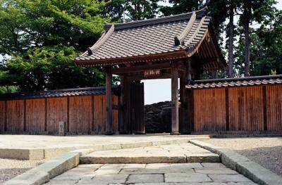 法隆寺の礎石を見に 江之浦測候所