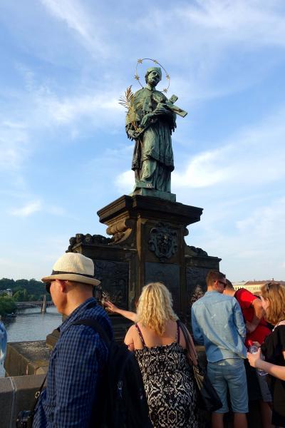 2018 三たびで最後のシニア三人旅 ☆カレル橋の彫像