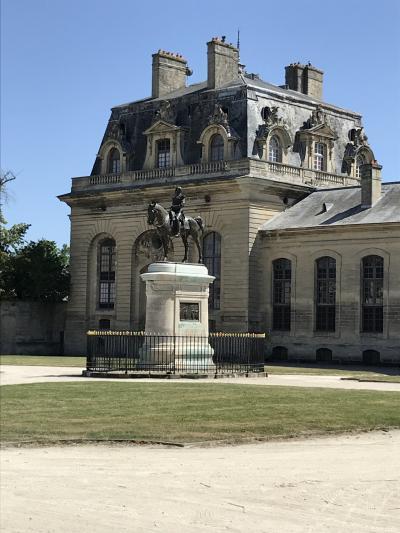 一人旅第3弾 花いっぱいのフランスへ 6 ヴァンヴの蚤の市からシャンティイ城へ