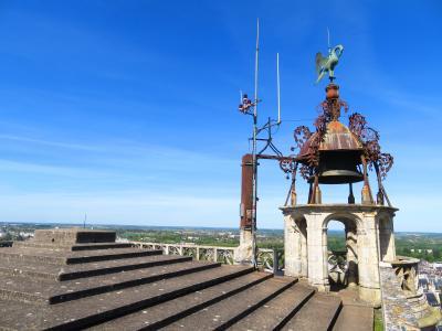 ブールジュ♪サンテティエンヌ大聖堂♪高さ65m北塔のてっぺんで寛いでいる♪2019年5月フランス ロワール地域他8泊10日(個人旅行)137