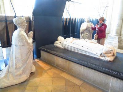 ブールジュ大聖堂地下聖堂に日本人として初めて入った♪聖母被昇天 最後の晩餐2019年5月フランス ロワール地域他8泊10日(個人旅行)139