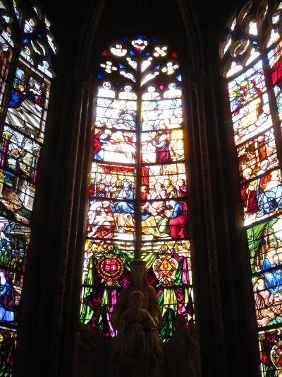 ブールジュ大聖堂♪光の当たり具合により刻々と表情を変化させるステンドグラス2019年5月フランス ロワール地域他8泊10日(個人旅行)142