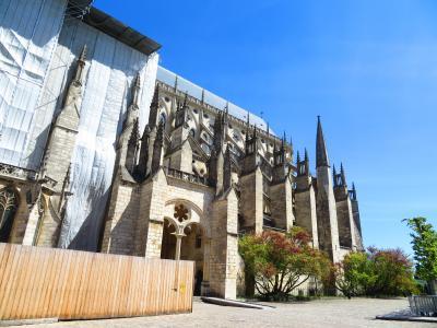 ブールジュ大聖堂正面扉の『最後の審判』プチトランは1日4回しか走らない♪2019年5月フランス ロワール地域他8泊10日(個人旅行)144