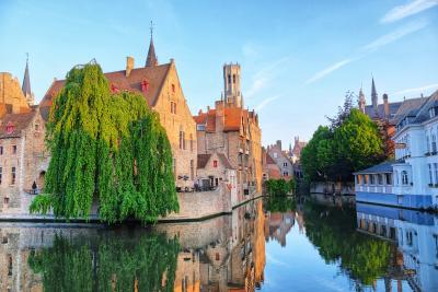 水辺の美しい景色を求めてオランダ&ベルギーへ <14> 時間が止まったベルギーの古都ブルージュ♪(前編)