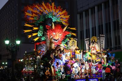 趣向を凝らした豪華絢爛な山車 八戸三社大祭