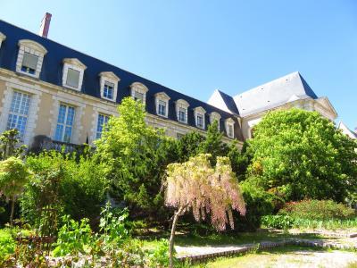 ブールジュ徘徊♪サン・ピエール教会♪聖母のステンドグラス♪ベリー博物館♪2019年5月フランス ロワール地域他8泊10日(個人旅行)152