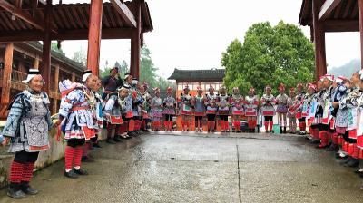 感激と浪漫の旅 少数民族を訪ねて  凱里~鎮遠~従江