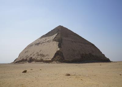 2019.8 エジプト8日間【2】世界遺産・メンフィスとその墓地遺跡(1)ダハシュールのピラミッドとメンフィスのラムセス2世像