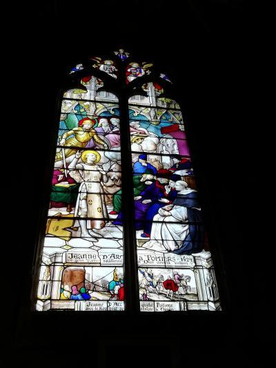 ポワティエ♪ノートルダム・ラ・グラン教会♪ジャンヌ・ダルクのステンドグラス2019年5月フランス ロワール地域他8泊10日(個人旅行)159