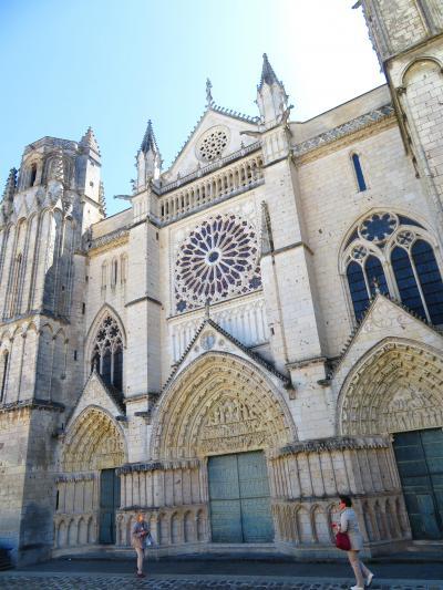 ポワティエ♪閉まっていたサン・ピエール大聖堂にこっそり入ることができた♪2019年5月フランス ロワール地域他8泊10日(個人旅行)163