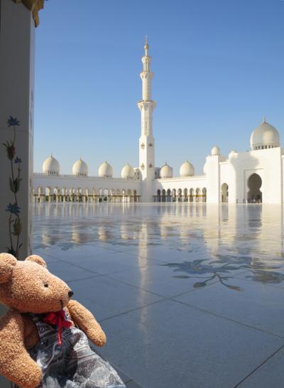 10年ぶりのドバイでリベンジ(6)制限だらけのシェイク ザイード グランド モスクにがっかり