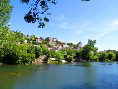 ポアティエ♪ジュベール橋でクラン川を眺めて何十分間も一人佇んでいるムッシュ2019年5月フランス ロワール地域他8泊10日(個人旅行)173