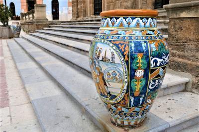 魅惑のシチリア×プーリア♪ Vol.172 ☆シャッカ:カラフルなタイルや陶器のある風景♪