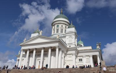 元老院広場を基点にヘルシンキ大聖堂、ウスペンスキー教会など街歩き