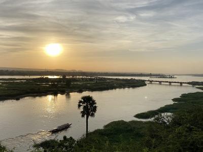 2019アフリカ~ニジェール川を眺めながらのんびりニアメ滞在