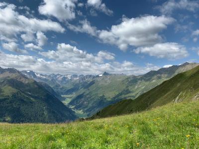 チロル・シュトゥバイタールで山歩きと氷河の旅 2日目はフルプメス〜シュタルケンブルガーヒュッテ