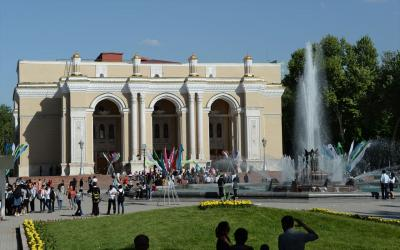 ウズベキスタン8日間の旅(6) タシケント市内観光