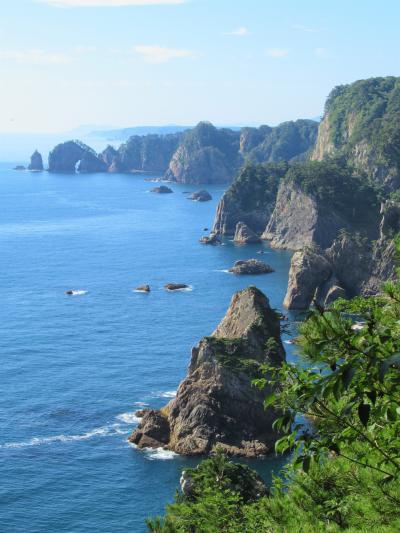 北山崎の断崖をクルーズと展望台から