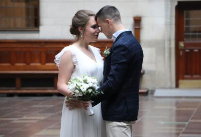 コペンハーゲン市庁舎で結婚式に遭遇