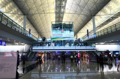 香港★乗客以外は立ち入り制限 厳戒態勢の香港空港