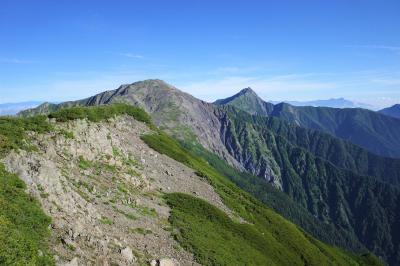南アルプス白峰三山縦走登山 1泊2日小屋泊(電車・バス利用)