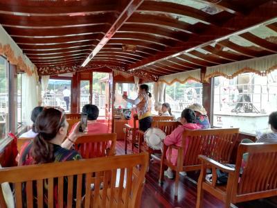 金山湖遊覧船♪乗船は10人以上だが、たまたま来たおばちゃん達といっしょに乗せてもらった2019年6月中国 揚州・鎮江7泊8日(個人旅行)56