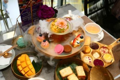 夏旅タイ03★バンコク★ホテルで朝食 バスで移動して タイ風アフタヌーンティー ~divana signature cafe~
