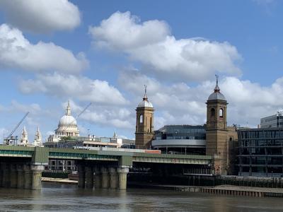 ロンドン街歩き♪ バラ・マーケットやミュージカルを満喫