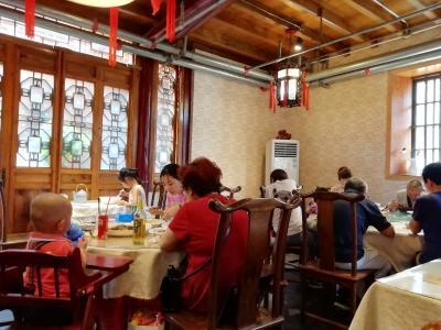 西津渡歴史文化街区の川頁会菜館はうまくて安くて早かった♪ちょっと微妙 食品安全等級公示2019年6月中国 揚州・鎮江7泊8日(個人旅行)60